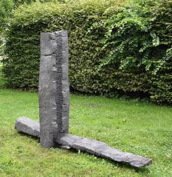 Herbert Meusburger: O.T. (Wippe aus Granit), 1997 (© Karlheinz Pichler)